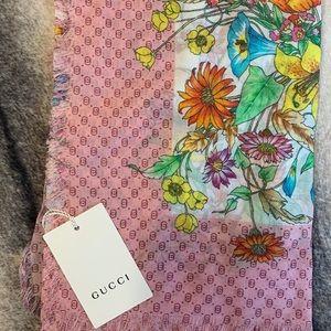 { Gucci } GG Logo Floral Scarf